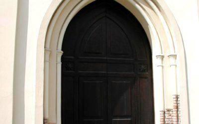 Il portale ingresso Chiesa di San Nilo